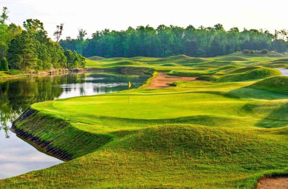 Dye Course- Barefoot Resort